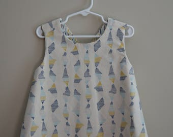 Toddler Reversible Crossback Tunic (size 4T) byJeanne Fabric Creations