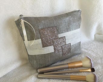 Large cosmetic case in lin lamé