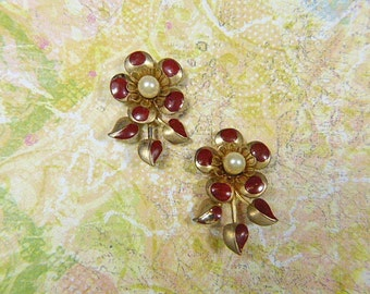 Vintage Gold and Pearl Hand Painted Clip Earrings- V-EAR-639 - Gold Clip Earrings - Gold Earrings