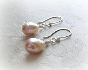 Freshwater Pearl Earrings, Bridesmaids Earrings, Pink Pearl Dangles, Wedding Jewelry, Teardrop Pearl Earrings, Small Dangle Earrings, Bridal