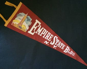 "27"" Empire State Bldg. New York Vintage Red Wall Pennant Felt Banner"