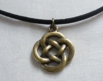 Celtic knot choker,irish knot,celtic knot jewelry,wiccan,black choker,handmade,gift,celtic knot necklace,celtic jewellery,bronze knot,gift