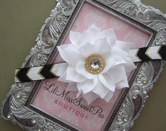 Classic Black, White and Gold headband, foil arrow elastic makes this one of a kind, foto bebe, photographer, Lil Miss Sweet Pea, boutique