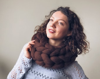 Brown wool cowl, merino scarf, chocolate chunky scarf, super chunky knit, warm winter cowl, Christmas gift, gift for her