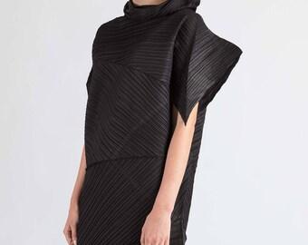 PLEATS - FOLD - textile body adornment