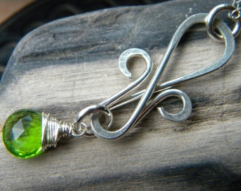 Fleur de lis sterling silver wire wrapped necklace - emerald green quartz handmade jewelry
