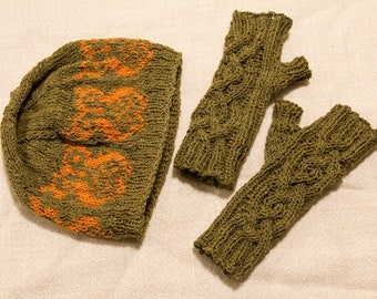 Hat and wristlet gift set