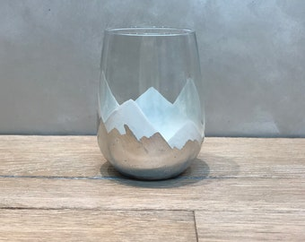 NEW* Magical Mountains Stemless wine glasses. In WHITE with silver leaf.