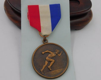 Vintage Track and Field Medal That Reads Suffolk Coaches Relay Race  Bronze Medal dr21