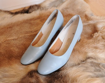 Vintage Naturalizer Powder Blue Leather Pumps, Made in USA, Womens 8 / ITEM338