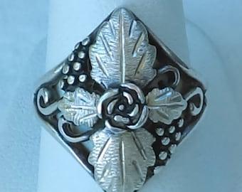 Vintage black hills sterling silver grape wine leaf ring