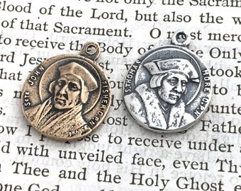 St. Thomas More - St. John Fisher - Medal - Patron of Lawyers, Politicians, Difficult Marriages - English Martyrs - Reproduction (CD-383)
