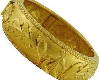 Vintage LANVIN Paris Golden oriental bracelet. 1980. High fashion. French Vintage