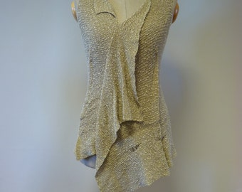 Summer knitted warm beige boucle top, M size.
