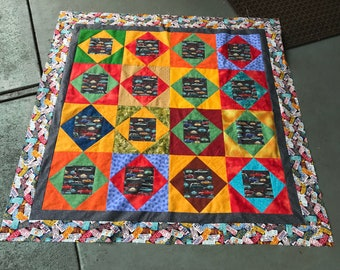 Quilt Top : Old Fashioned Cars w/extra fabric & 3 blocks