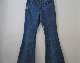 Vintage 70s Levi bell bottoms / Hippie Boho denim Unisex bell bottom jeans / Orange tab Levis 30 x 33