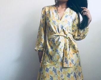 Swinging 60s in yellow watercolor ||  vintage inspired handmade dress || slightly slinky fabric || vintage mini dress