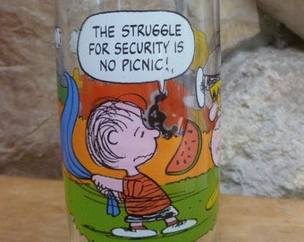Vintage Peanuts Linus Camp Snoopy No Picnic Charlie Brown Lucy Woodstock Snoopy glass