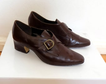 SALE // 1970s leather shoes // brown vintage leather heels // genuine leather womens shoes