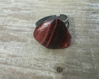 Tiger Eye Jasper Solitare Ring with a Fully Adjustable Band