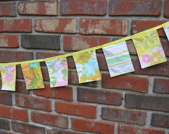 Spring Banner Yellow Easter Fabric Floral Cloth Bunting Vintage Nursery 7 ft long