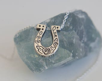 Mini Luck Horseshoe pendant