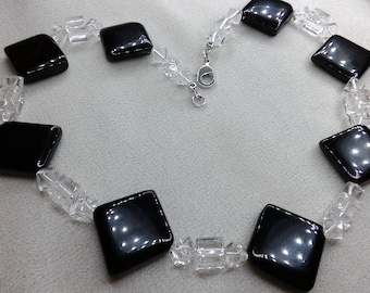 Necklace cubes and black and white Plaid