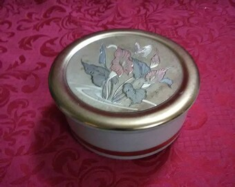 Vintage trinket dish with lid. Art of Chokin. Made in Japan. 24 k gold.