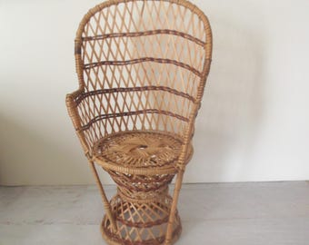 Wicker Chair Plant Holder, Rattan Peacock Chair Planter, Jungalow Decor, Boho Wicker Plant Stand
