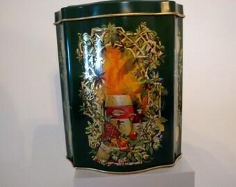 Avon Collectible Christmas Tin 1982