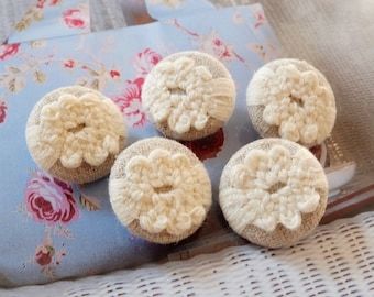 Chic Victorian Rustic Crochet Cream Floral Flowers On Beige-Handmade Fabric Covered Buttons(5Pcs, 0.75 Inches)