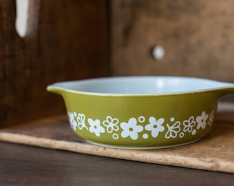 Vintage Pyrex 471 Spring Blossom Green - Crazy Daisy - Casserole Dish