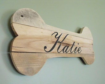 Personalized dog bone silhouette sign - custom pet name - reclaimed pallet wood - wooden rustic farmhouse decor wall art barn wood