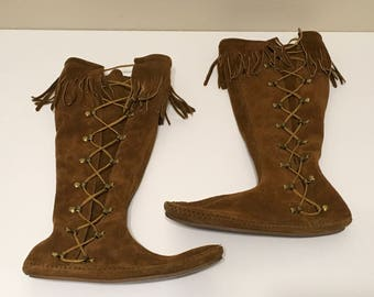 Minnetonka made in USA, knee high moccasin boots Fringed Leather 6 Made in the USA hippie boho festival