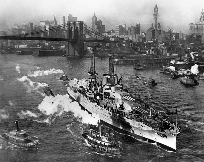 USS Arizona on the East River in New York City in 1916 - 8X10 or 11X14 Photo (DA-495)