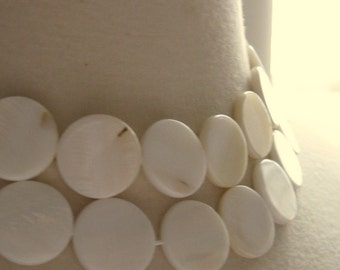20mm White Mother Of Pearl Round Coin Beads 3 pcs