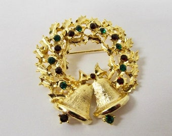 On Sale Vintage Rhinestone Christmas Wreath Pin Item K # 345