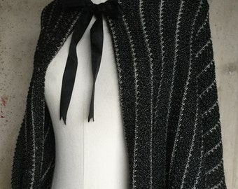 1930s Hand Crocheted Shrug * Salt and Pepper * 1930s Cropped Shrug