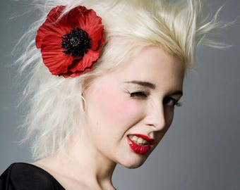Now, Voyager Red Poppy Hair Clip