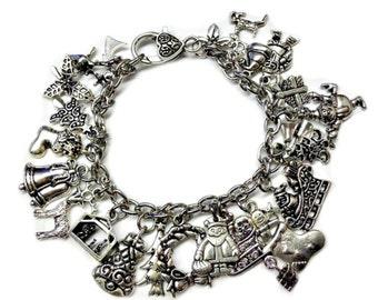Christmas Themed Charm Bracelet | Holiday Charm Bracelet