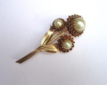 Huge vintage midcentury faux pearl gold flower spray bouquet - estate jewelry