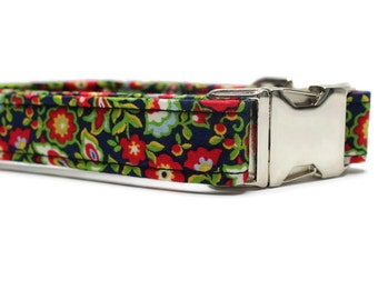 Winter Floral Dog Collar | Your choice of metal buckle or plastic buckle | Holiday Dog Collar | Winter Dog Collar | Floral Dog Collar