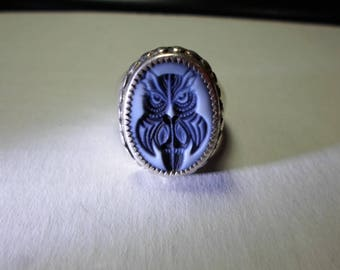 Ring... sterling silver, size 12... Owl Cameo