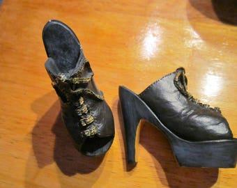 Set of 2 vintage funky platform shoe figurines