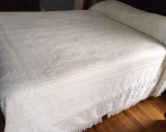 White Chenille Bedspread, Chenille Bedspread, Vintage Chenille Bedspread, Double Chenille Bedspread, Full Chenille Bedspread, Double Bedspre