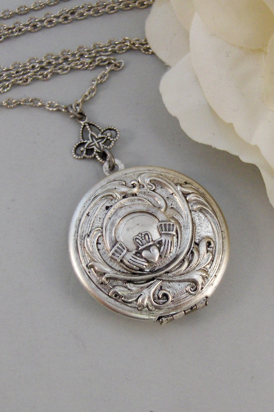 silver victorian antique locket circa ivy engraved lockets
