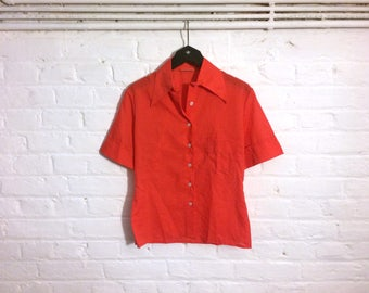 1970s vintage red short sleeve shirt blouse top with pointed collar - UK 8 EU 36 US 6 - Seventies Mod Yeye Psych Retro