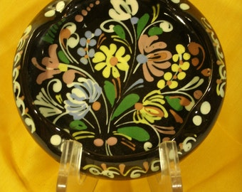 Slipware Redware Dish Flower Bouquet Decoration on Deep Brown Glaze Vintage Handmade Small Dish Key Coin Trinket Holder Ashtray