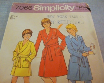 vintage SIMPLICITY 7066- BOY'S ROBE bathrobe, housecoat (size 6)