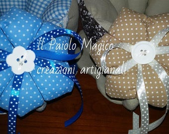 Padded FABRIC FLOWERS with bow and chalk